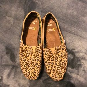 Toms National Geographic big cats shoe jaguar